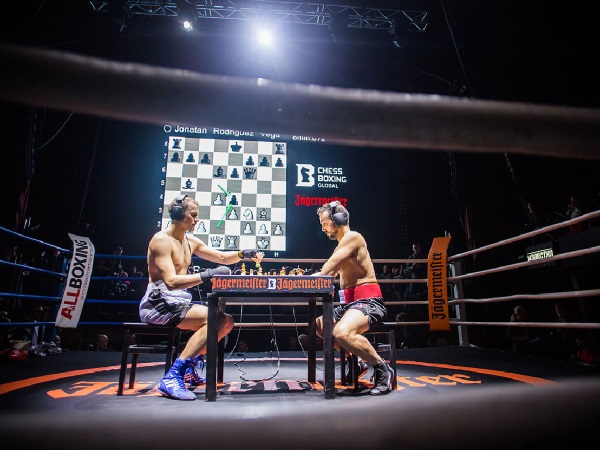 Image: Chessboxing World Championship, Sven Rooch vs. Jonatan Rodruguez-Vega, Moscow 2013 (© Chess Boxing Global)